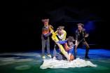 Foto: Anja Köhler v. l. Lukas Engel, Sebastian Hammer, Curdin Caviezel http://landestheater.org/kalender/2017/12/01/anton_das_maeusemusical-1.html